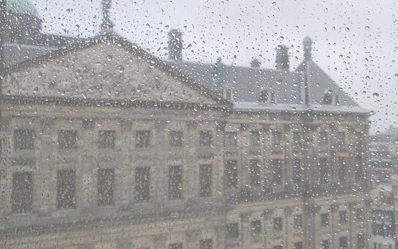 Inhakers op de meest regenachtige dag van het jaar